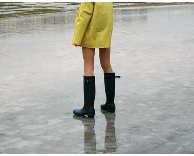 первый снег в городке, первый лед на реке, я к тебе по нему не дойду